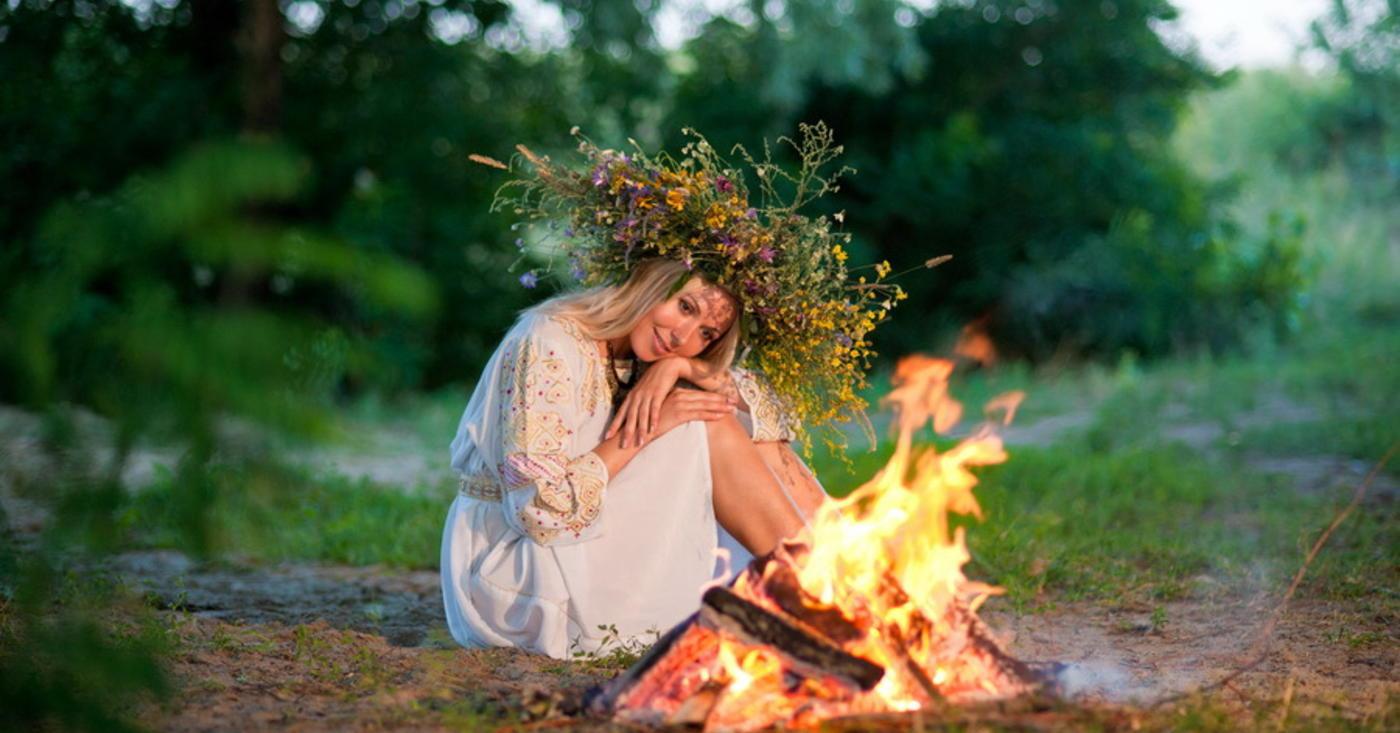 Noaptea magică de Sânziene – credinţe, obiceiuri, tradiţii