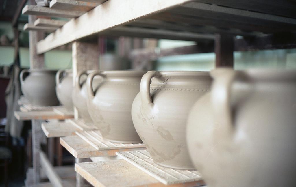 Ceramica neagră de Marginea – moștenire dacică