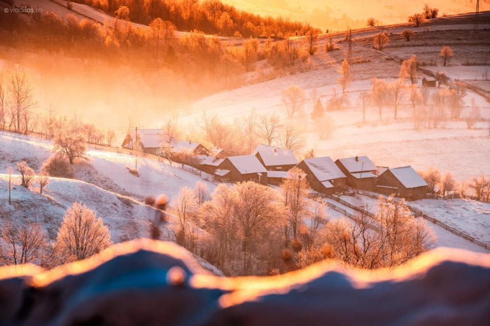 Imagini de iarnă de basm din Bucovina